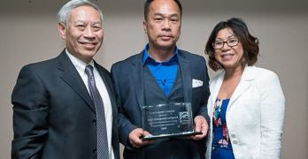 Dr. Andy Chiem receives award