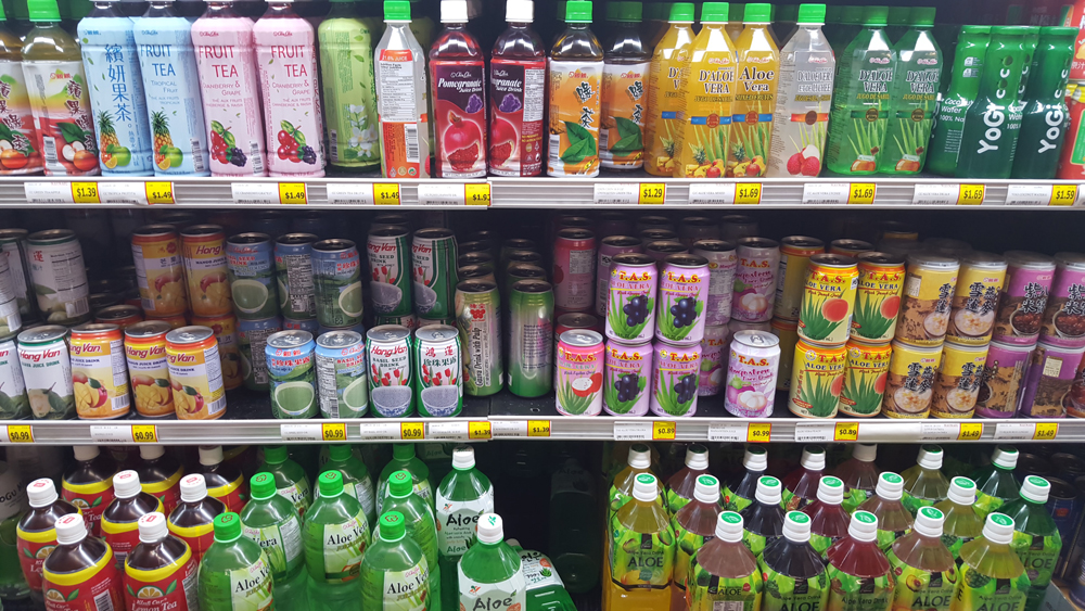 Cold beverages at Viet Wah (Photo by Peggy Chapman/NWAW)