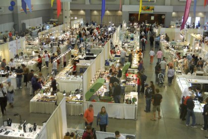 Ted's Tucson Tour Review 2009 Tucson Gem Mineral Show - Wiki-Commons