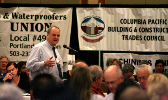 American Federation of Teachers-Oregon President David Rives takes the mic at the Oregon AFL-CIO convention. AFT is now the most numerous national union within the Oregon AFL-CIO, with 41,000 of the federation's 111,000 members. (Photo by Russell Sanders, courtesy of Oregon AFL-CIO.)