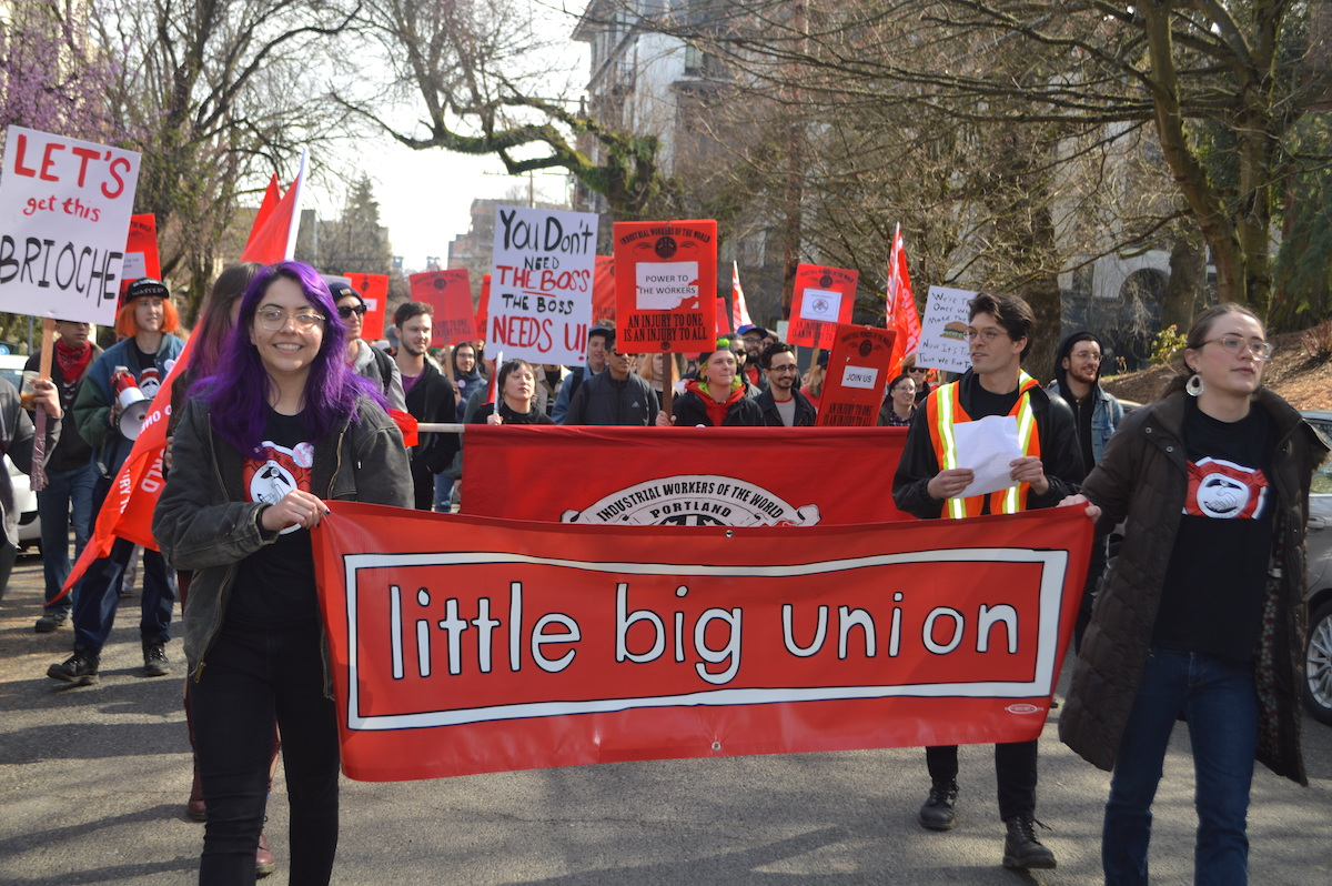 Fast food workers announce union at Little Big Burger chain