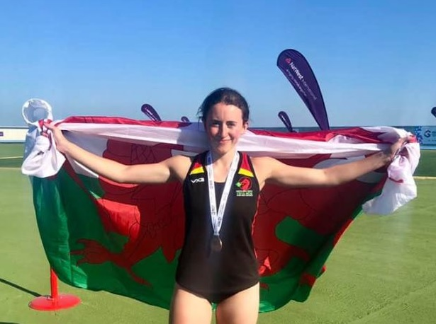 Another medal for Ynys Môn as Ffion Roberts scoops bronze in 400m