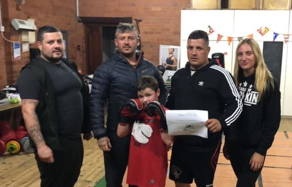 Boxing: Humphreys brothers aim to conquer all on the island