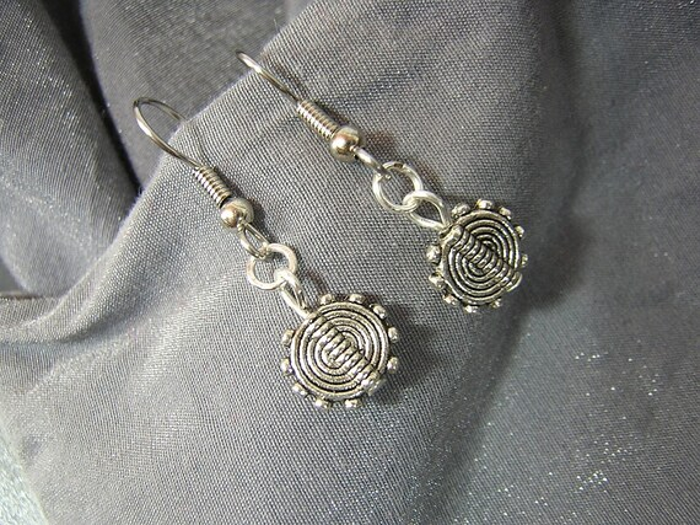 Silver Discs Handmade Single Bead Dangle Earrings D225E-55511 - $5.95