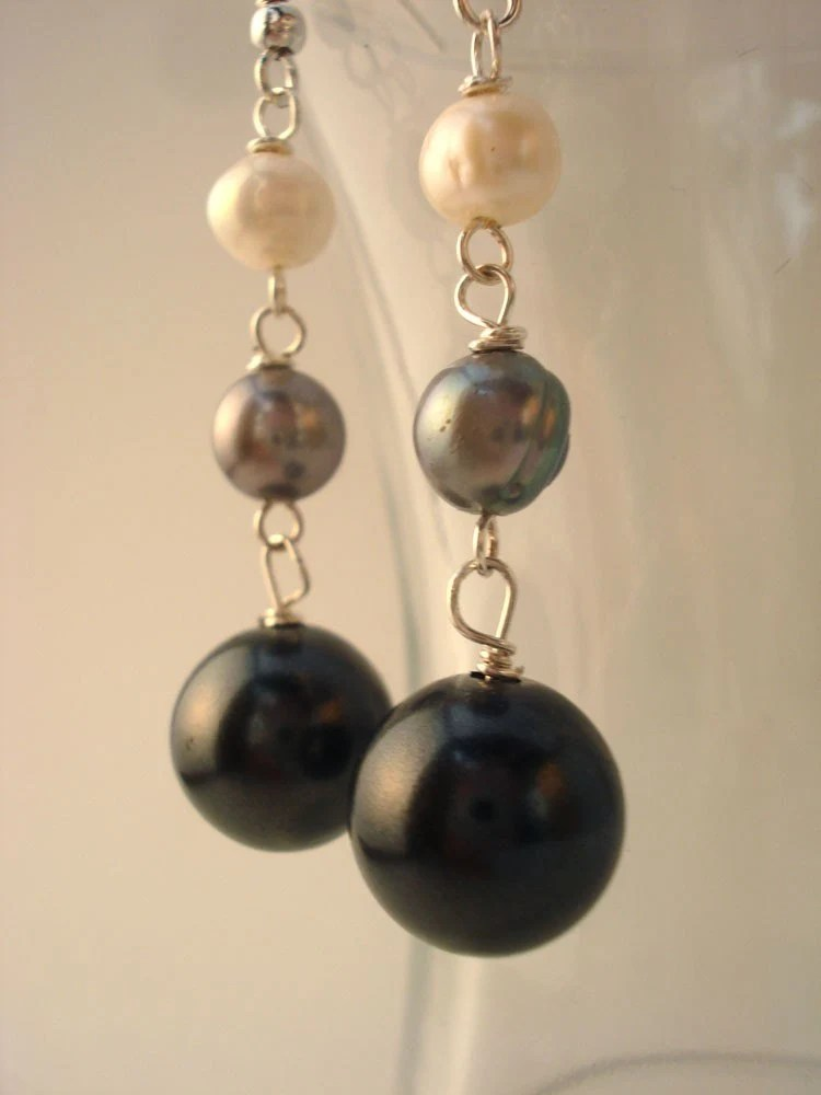 Grey and White Gradient Pearl Earrings