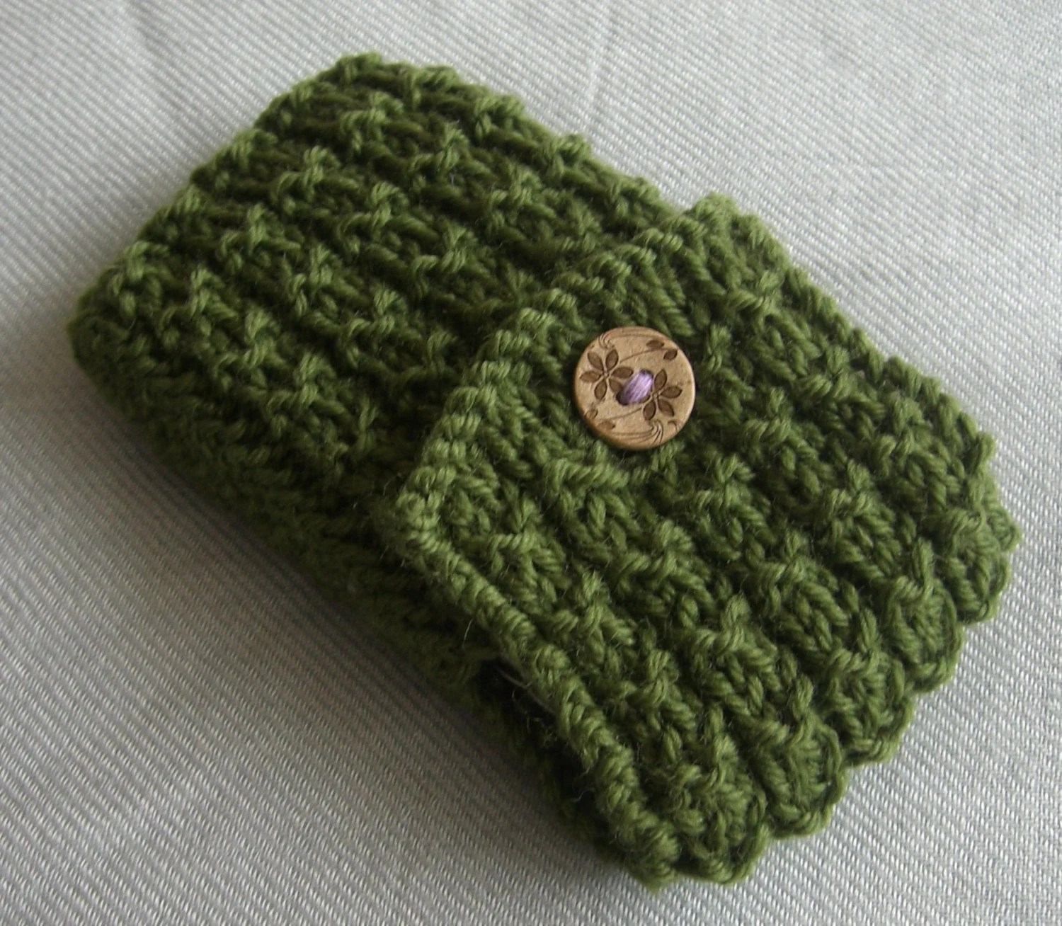 Sage green Blackberry/ iPhone case/ cozy/ hand knitted cover with pretty wooden button - other colours available