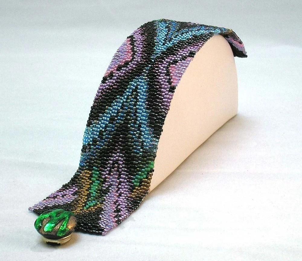 Hannah Rosner cuff bracelet bead pattern peyote stitch block quilt