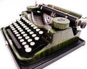 1920s Green Underwood Faux Bois Woodgrain Typewriter - Unique