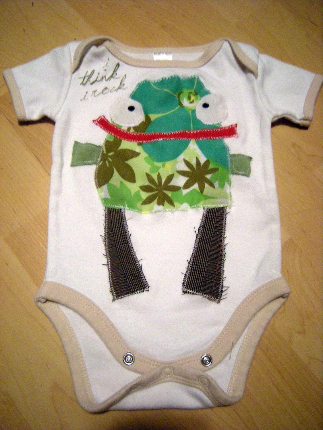 FREDDY FERNS recycled tee - 6-9months