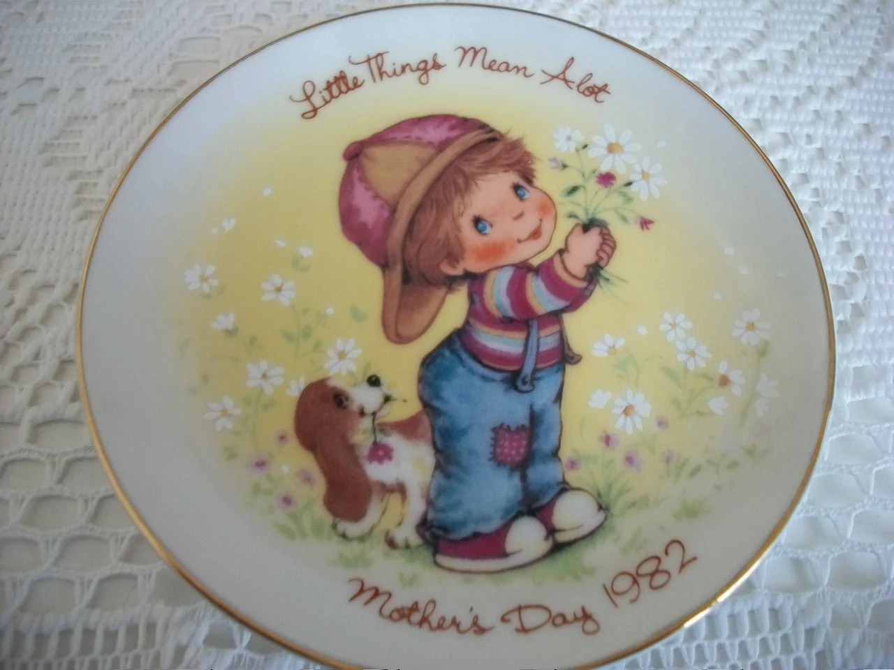 Avon Collectible Plate 1982