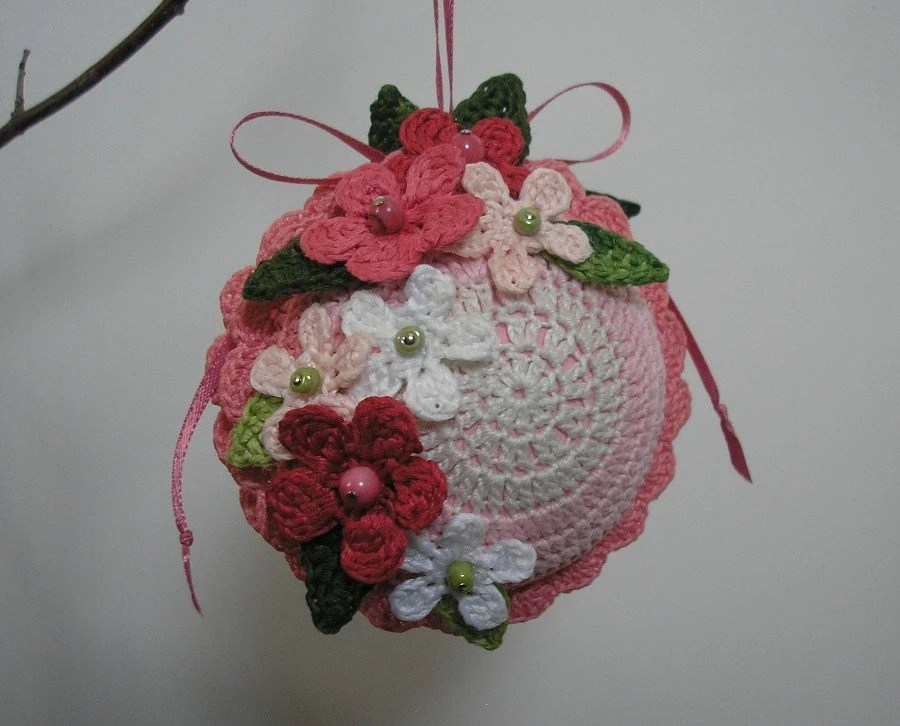 Primavera Pink No. 3 - Crocheted Floral Ornament in Antique White, Orchid Pink and Rose Pink