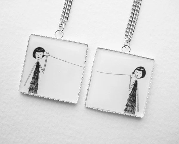 Eloise and Ramona play telephone - best friend pendant set