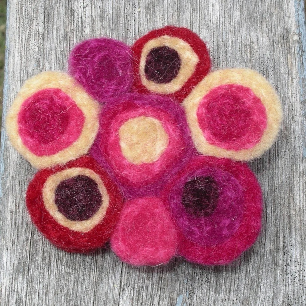 Felt Cloud Brooch / Pin - Butter Berries