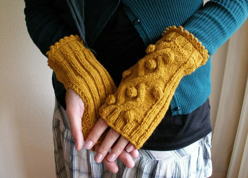 fingerless mustard mittens, $35 from shadesofshadow. would look lovely with my blue peacoat!