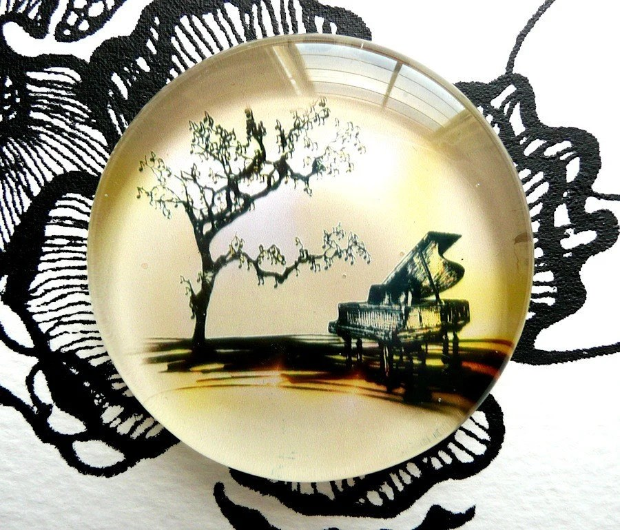 Mazurka No. Tree - Art Paperweight
