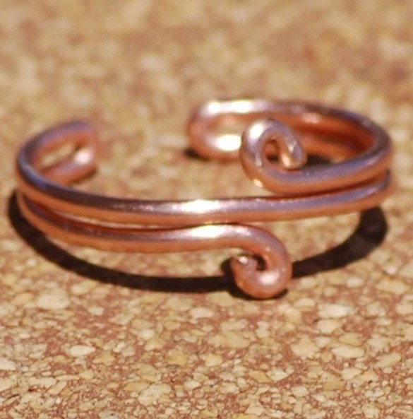 Handcrafted Double Loop Copper Toe Ring