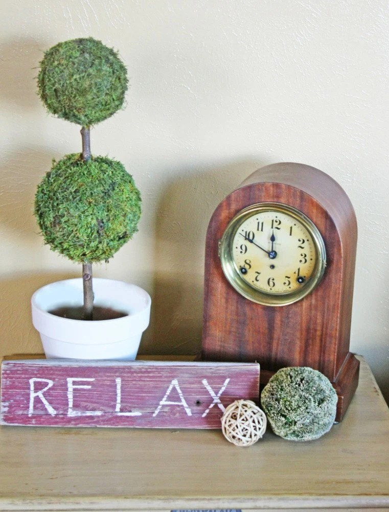 "Wood Sign ""Relax"""