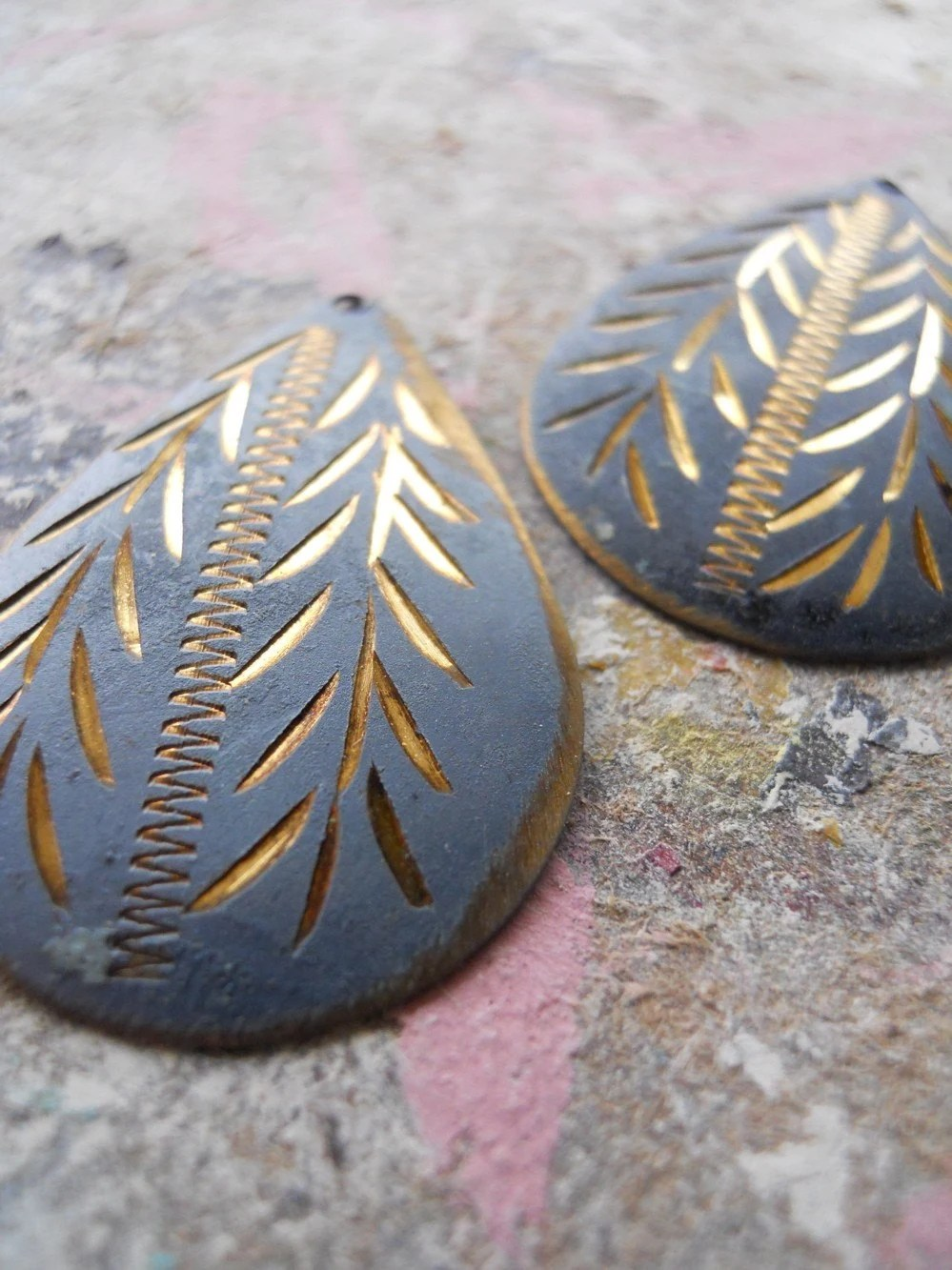 Vintage Incised Gray and Gold Findings from India - Painted Metal Intricately Designed Pendants or Charms