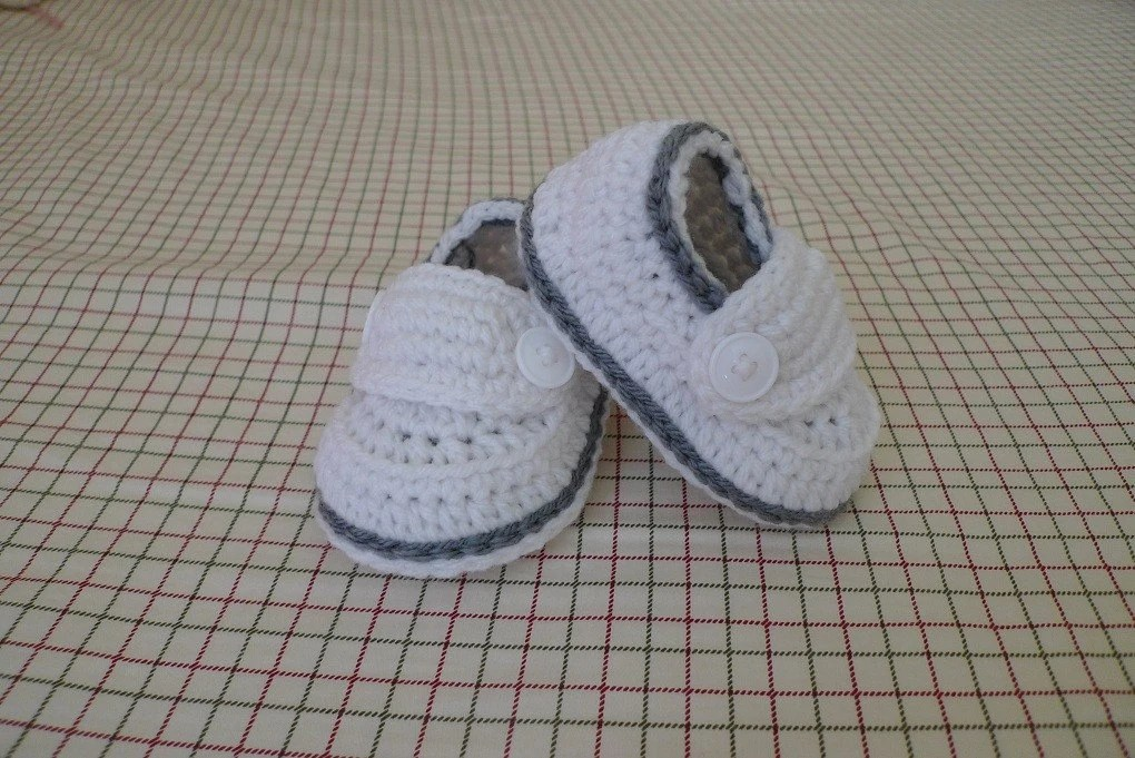 Limited Time Sale----Two-Button Loafers Christening Baptism Baby Booties/Shoes with Gift Box (size 0-3M, 3-6M, 6-9M, 9-12M) Can Be Make In Different Color And Size