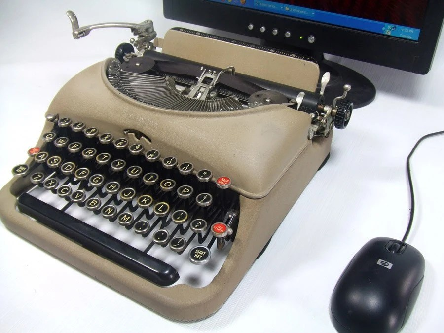 USB Typewriter -- Computer Keyboard -- Cream Remington Quiet Riter