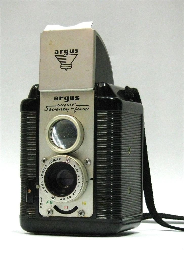 Vintage Argus Super 75 twin lens reflex camera and leather case