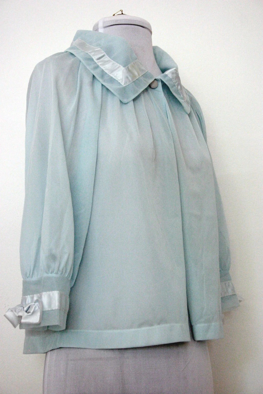 1960's Sheer Blue Bed Jacket by Henson Kickernick