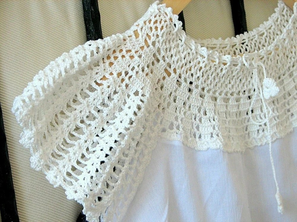 White Dream Organic Cotton Blouse with crochet