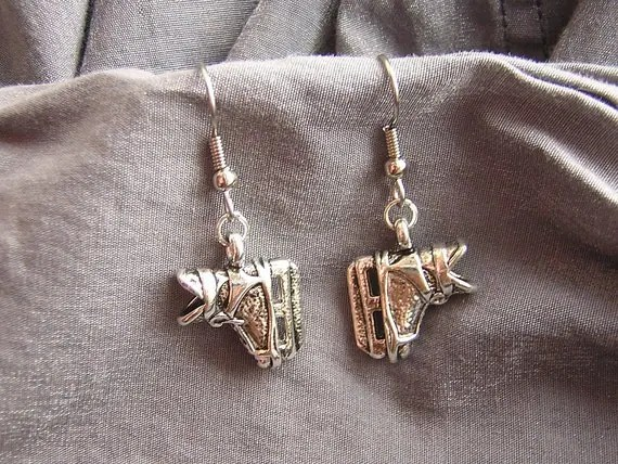 Hockey Skate Simple Charm Earrings - Handmade by Rewondered D225E-25101 - $8.95