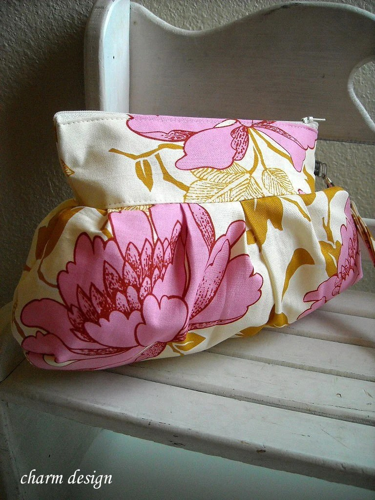 Pink Flower - Zipper Pouch with Clip (New style)