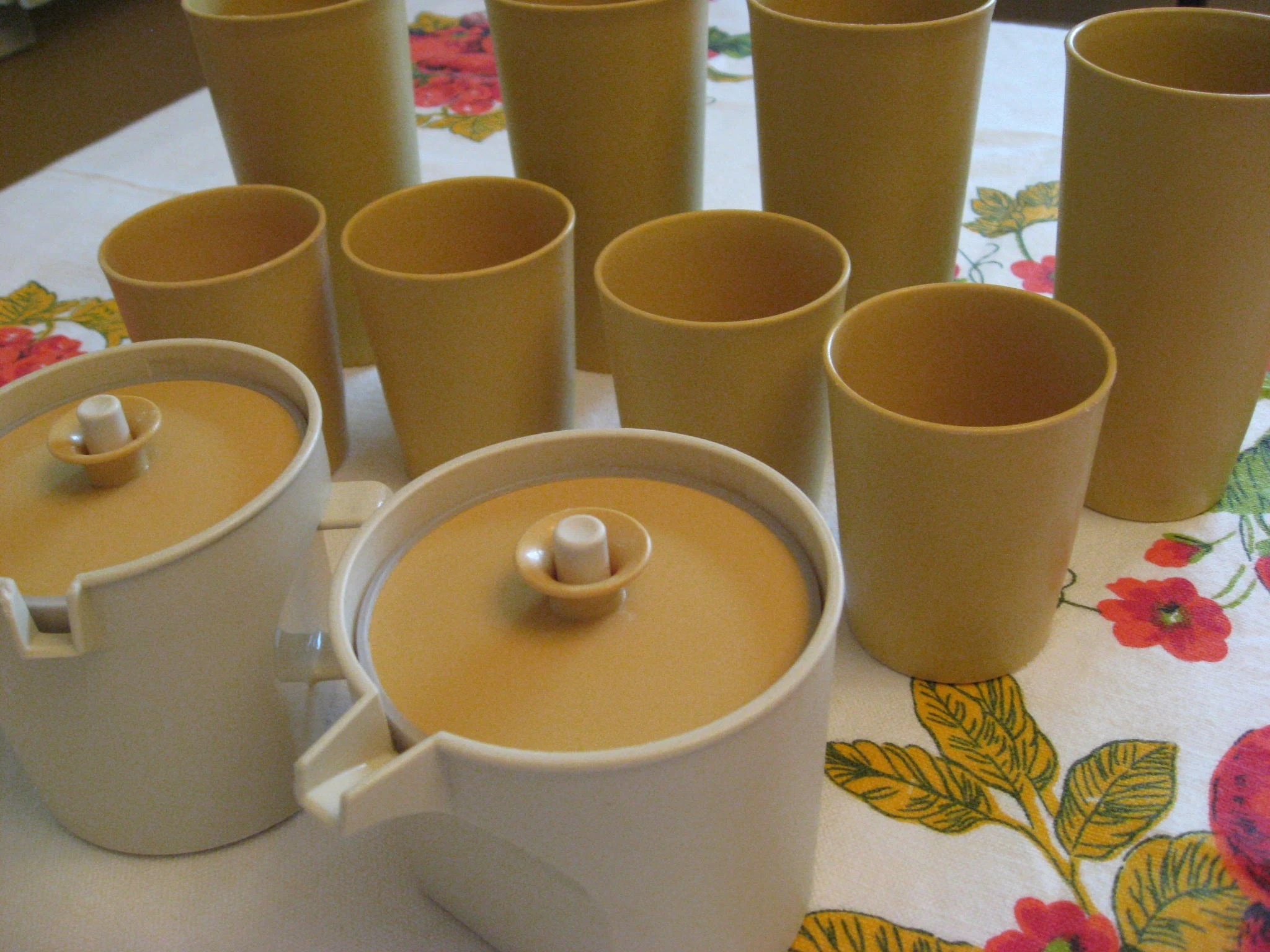 Sale - Lot of Vintage Tupperware - Sugar Creamer Small and Large Tumblers - Harvest Gold