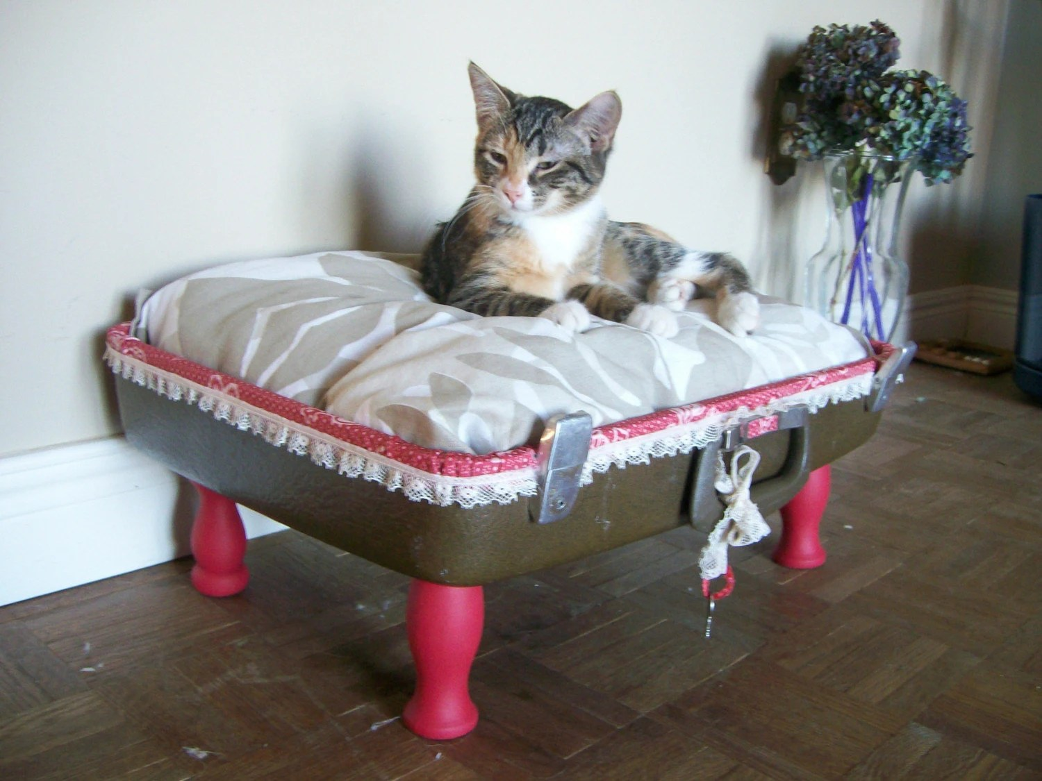 O N  S A L E   Vintage Upcycled Suitcase Pet Bed - Brown, White, Red with Ribbon - Eco Chic