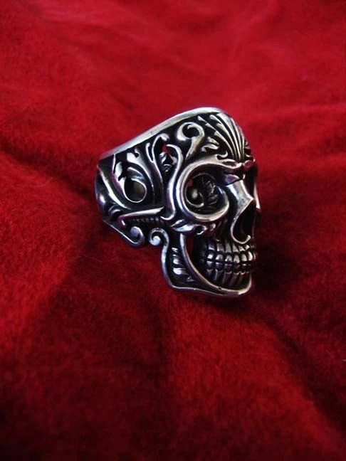 The Victory skull ring