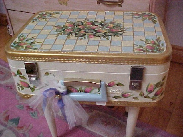 SHABBY STYLE HANDPAINTED VINTAGE SUITCASE CHECKS AND ROSEBUDS