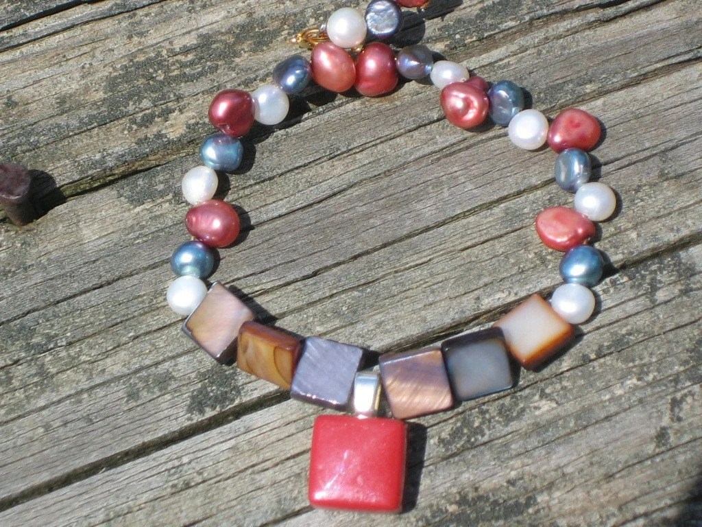 Cinnamon Pop and Pearls Bracelet