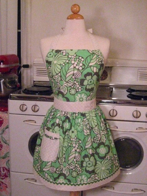 The CHLOE Vintage Inspired AMY BUTLER Water Garden Full Apron