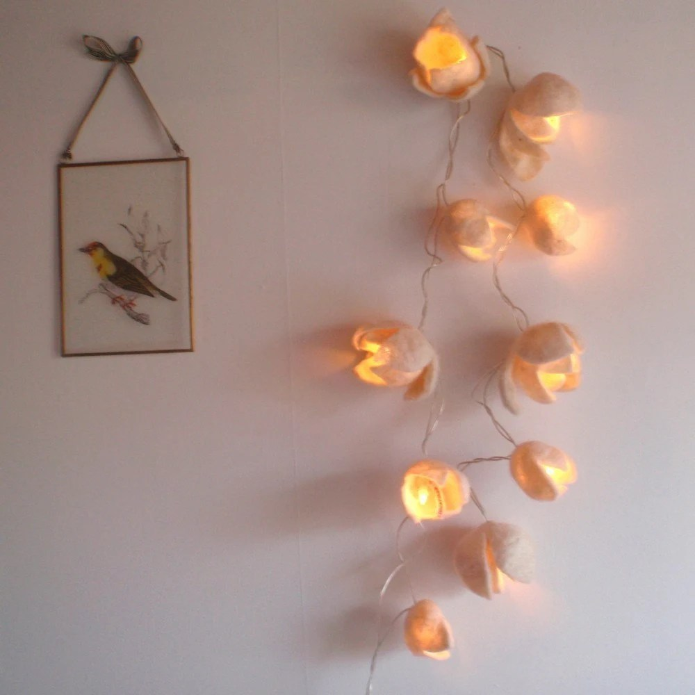 Felted light (Magnolia)