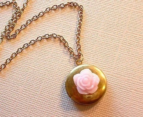 Remember Me Rose Locket