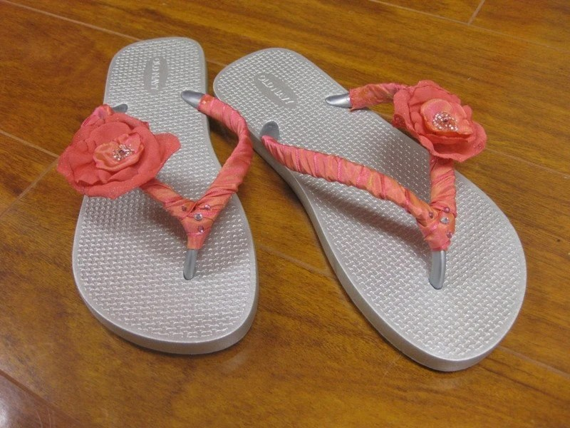 Customized flip-flops