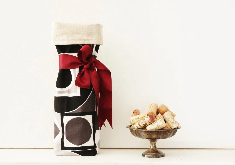 Geometric Wine Bag
