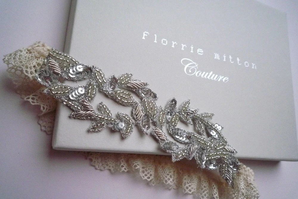 Aphrodite-beaded-garter