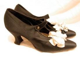 1920s Vintage Rare Black Silk Shoes with Ribbon Pom Poms