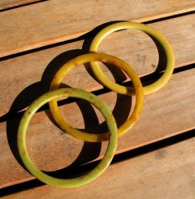 Vintage 1930s Set of 3 Bakelite Spacer Bangles