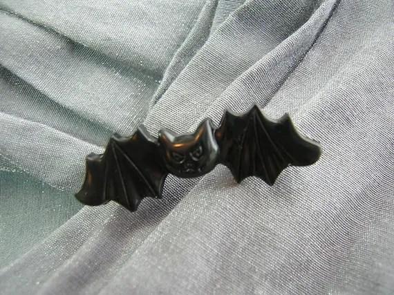 Cute Black Vampire Bat Pin by Rewondered D225P-00005 - $5.95