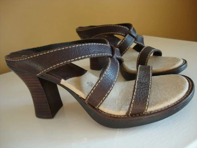 Vintage Brown Leather Sandals size 7.5
