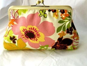 Kitty - Spring / Summer clutch with dupioni lining