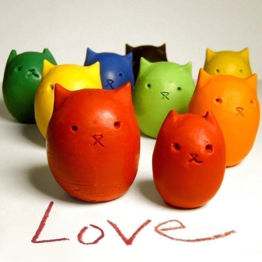 Kitty Crayon Set