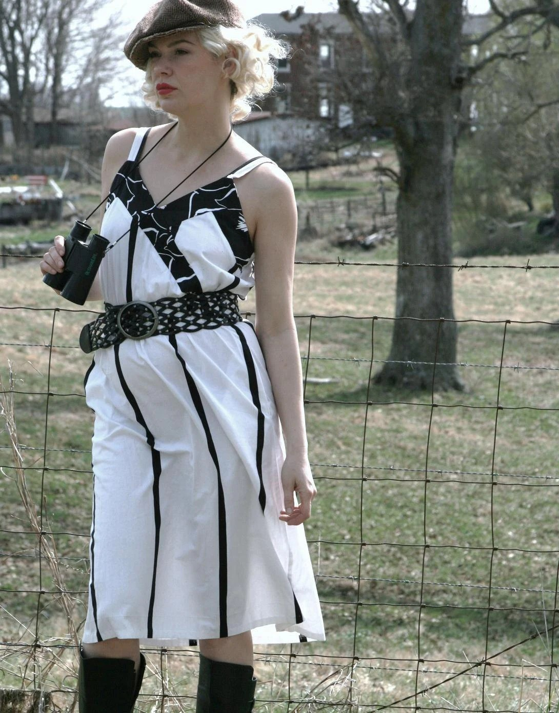 80s Black & White SUN dress