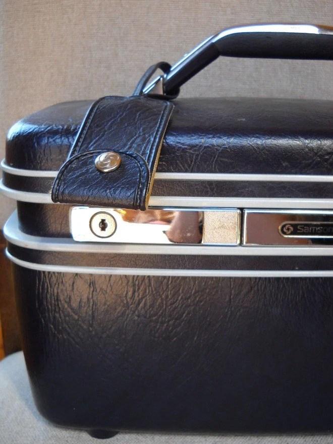 vintage samsonite navy travel case