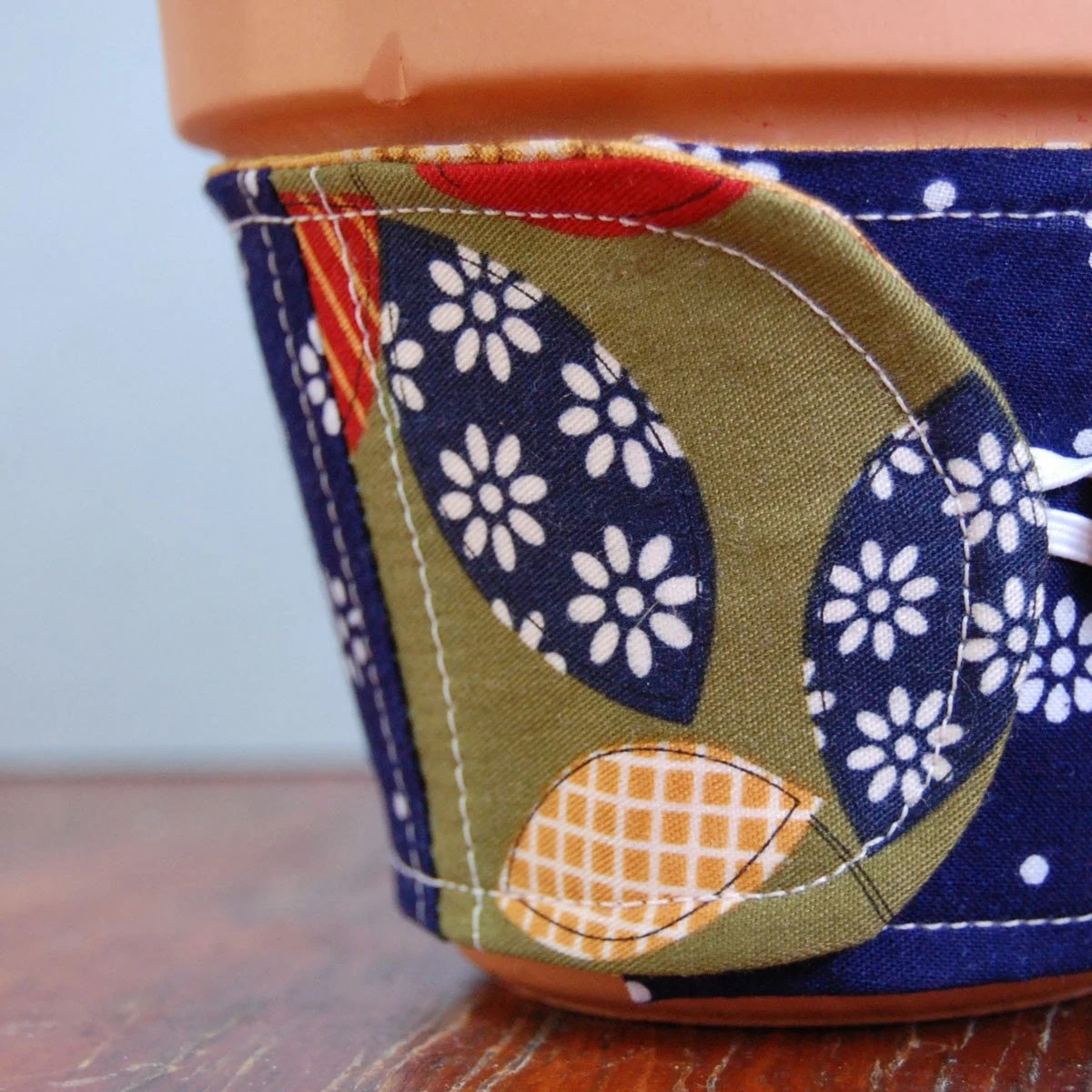 My Favorite Patchwork Flowerpot Wrap