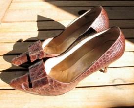 Vintage 1950s/60s Kitten Heel Alligator Leather Shoes